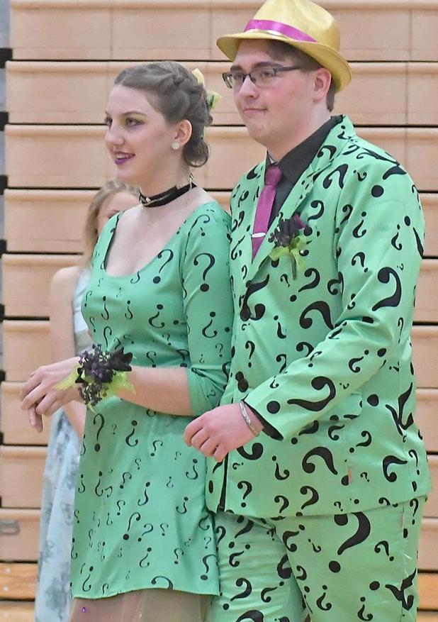 aff3bd24adf High school Prom follows  Enchanted Forest  theme